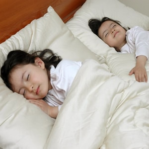 kids-organic-mattress-bedding-3
